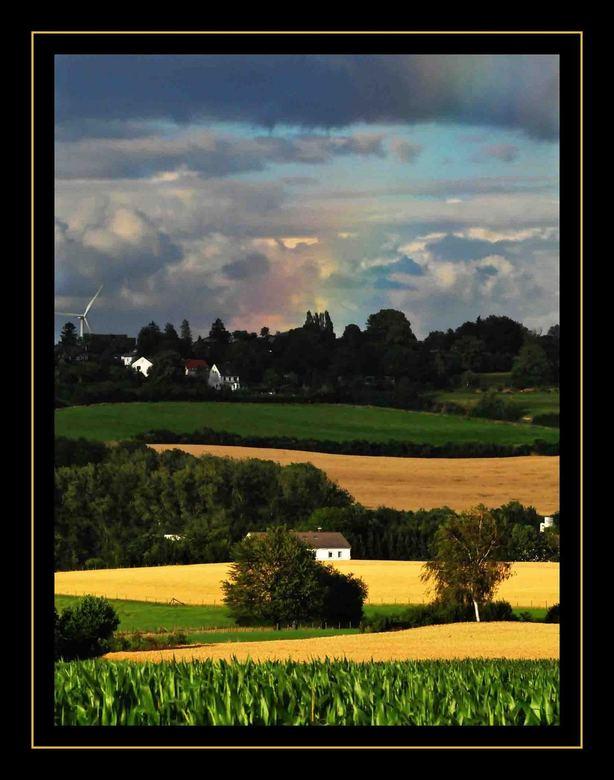 RegenBoog - Uitzicht vanaf het Vakantiehuis in Vijlen - Limburg