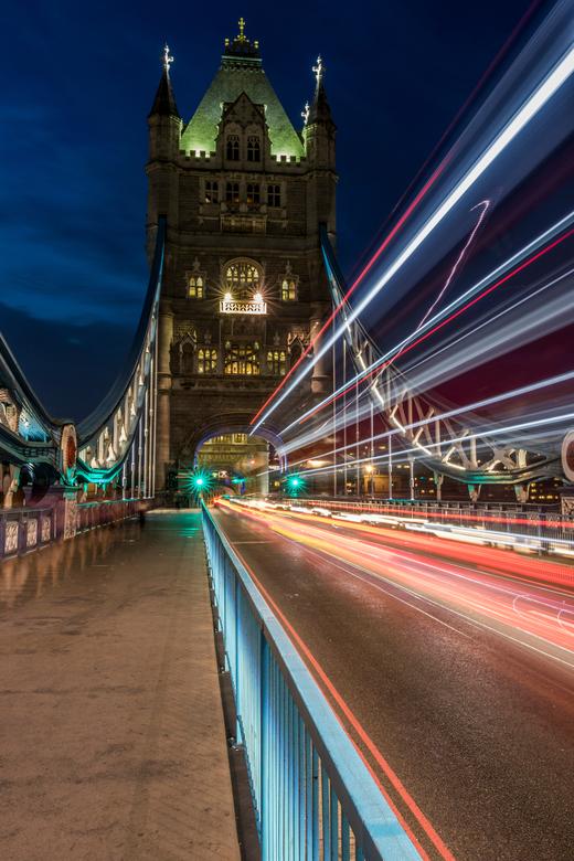 Tower Bridge  - Zoveel foto's gezien van Londen...en dan ben je er zelf en dan probeer je het ook.