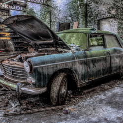 Urbex Old Car