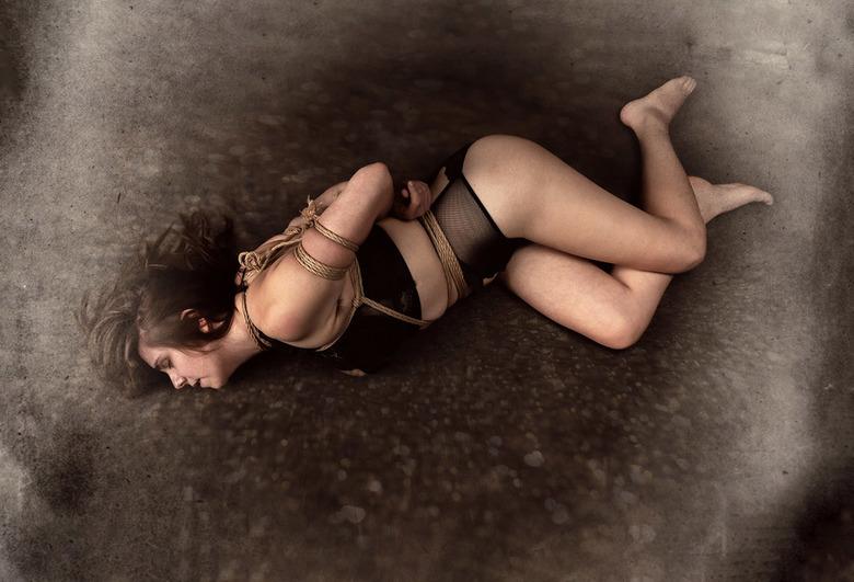 bondage - model Asimira