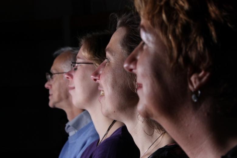aangetrokken door het licht - opdracht was een foto waarin thema &quot;mensen die dromend een stem verstaan&quot; is verwerkt. <br /> Was een bijzond
