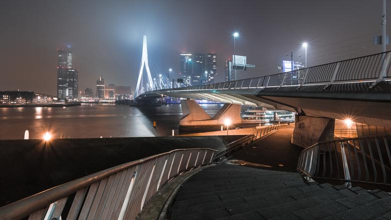 Bright Lights Big City IV - Een moody en donkere pano-edit van een van mijn beelden uit de Rotterdam-serie.<br /> <br /> Lees ook mijn blog (in het