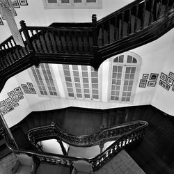 Prachtige trap in een oud Frans hotel.