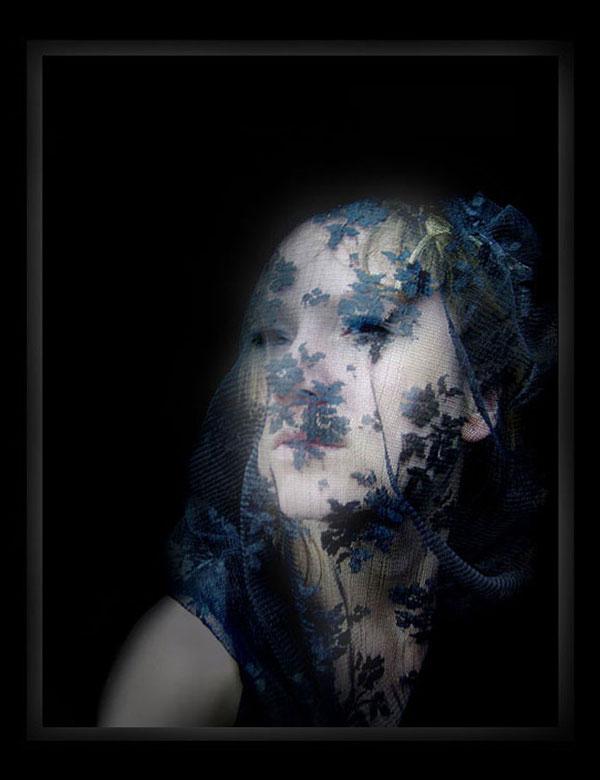 All cried out © - © Je moet er van houden beetje rouwige foto met veel softening. <br /> Heb veel verschillende dingen uitgeprobeerd met de foto, en