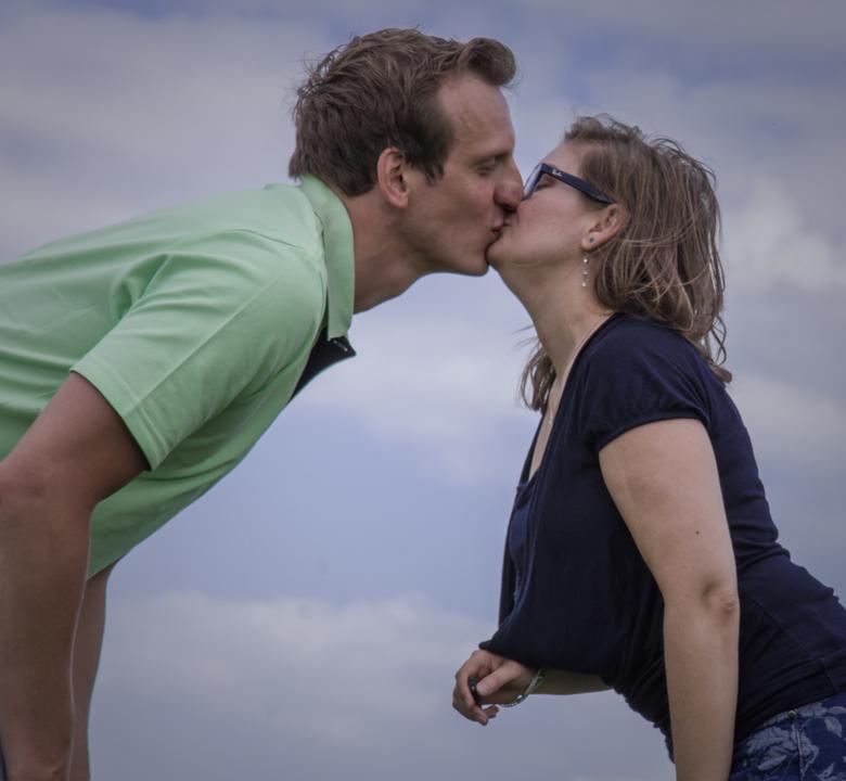 Romantiek  - een mooi romantisch moment met mijn partner Barbara. kort om ik hou van haar . een van de mooiste dingen aan het leven liefde