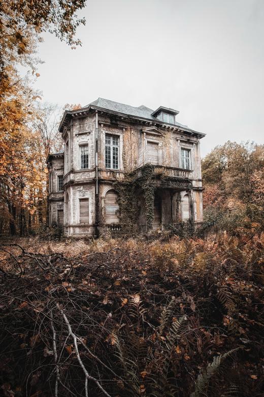 Abandoned glory - Mooi staaltje vergane glorie.. De herfstkleurtjes maakte het nog leuker !