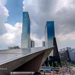 Gebouwen naast Centraal Station in Rotterdam