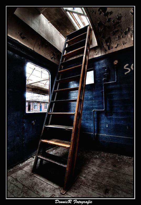 Treinstation Montzen - Mijn eerste ervaring met urbex fotografie. Moet zeggen het is me super bevallen en zal dit zeer zeker vaker gaan doen. <br />