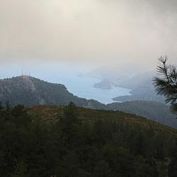 Een stukje zee gezien op 1400m hoogte
