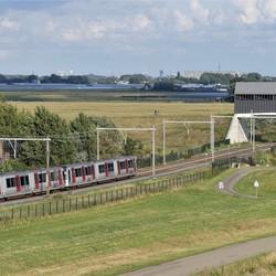 P1080463 Maeslandt kering uitz    Metro testrit 13 aug 2019