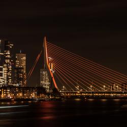 Orange gekleurde brug