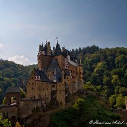 Burg Eltz - zijkant (Duitsland)
