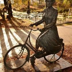 Beatrix op de fiets