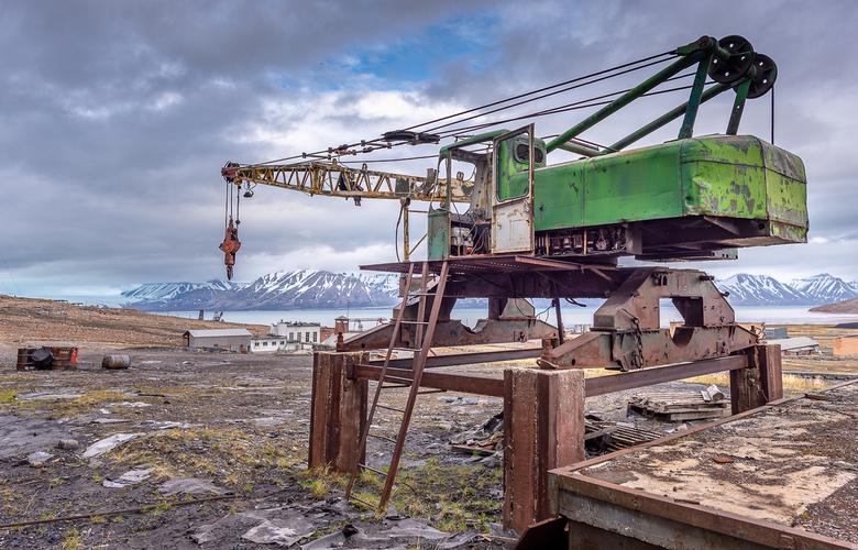 Hijskraan in Pyramiden op Svalbard