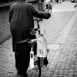 Old lady (streetphotography schoolopdracht)