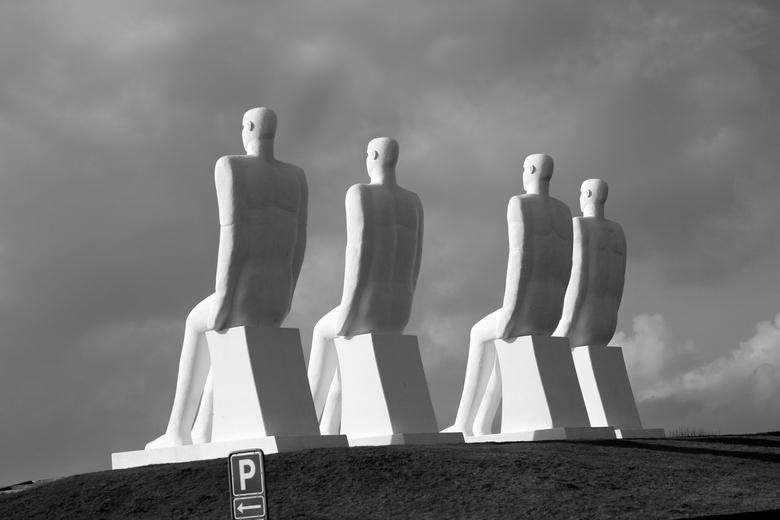De mannen - De mannen, ze houden de wacht over de Noord zee.  In Æsbjerg, Denemarken