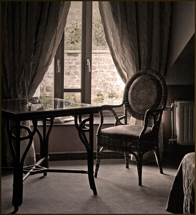 the empty chair ... - ...<br /> <br /> tip: even volledig zien.<br /> <br /> gr. christine.<br /> fijn weekend allemaal.<br /> <br />