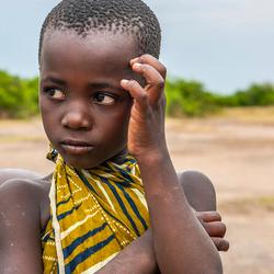 Meisje in dorpje Uganda.jpg