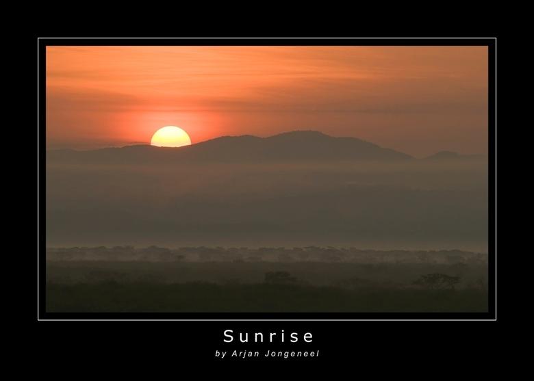 Zonsopkomst - Een prachtige zonsopkomst in Queen Elisabeth National Park in Oeganda. Heerlijk, 's ochtends heel vroeg een game-drive. De natuur o