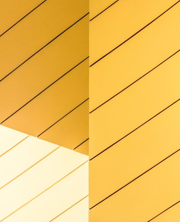 yellow -  detail van de kubuswoningen