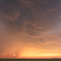 onweersbui tijdens zonsondergang II