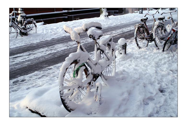 Fietsen - Even wat oudjes uploaden. Deze is nog van de winter februari 2005. Hopelijk krijgen we deze winter toch nog wat sneeuw ipv regen