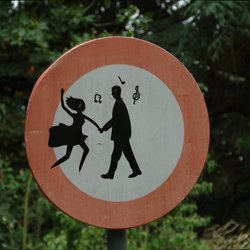 (Do not) Dance!