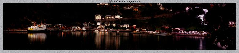 Geiranger panorama - 's avonds genietend van het uitzicht en de lichtjes. moest ik gewoon een foto maken van het uitzicht.