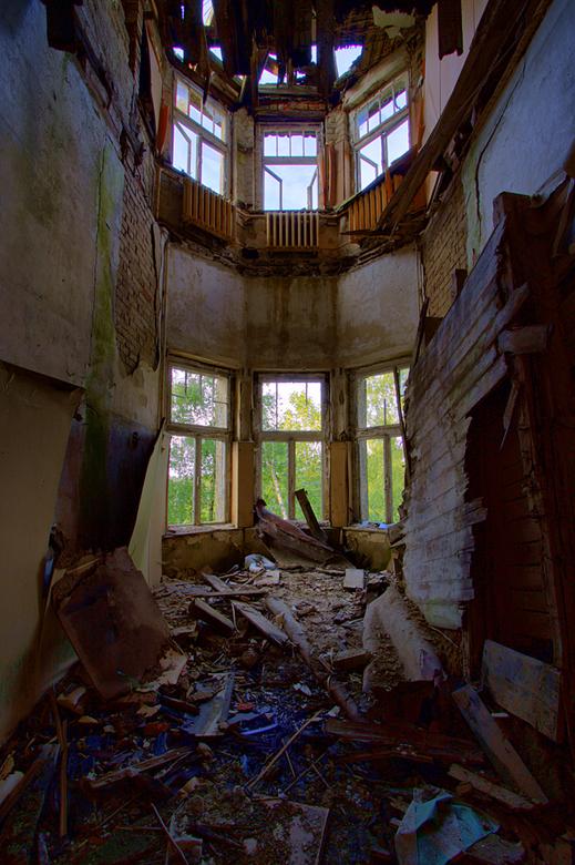 Koningsberg sanatorium 1 - En dan ben ik eindelijk aangekomen bij de Oost Duitsland serie.<br /> <br /> Op 18-6-2009<br /> Hebben Jos en ik een bez