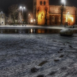 Voetstappen in de sneeuw.