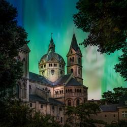 Collage Stage of Luminosity en Munsterkerk