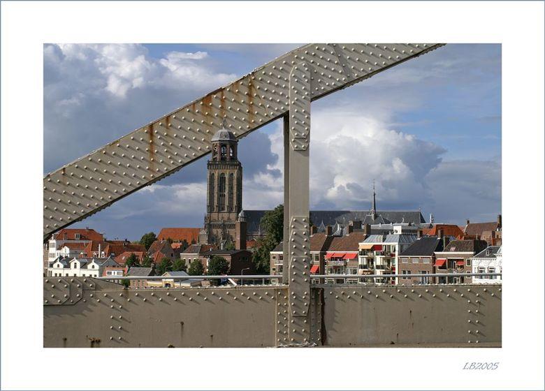 Ge(f)(sh)opt - Zowel de brug als de toren moesten erop. Dat was even flink shoppen.