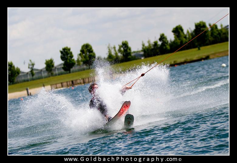 Waterskiën - tijdens de vrijgezellendag van mijn broer heb ik wat foto's geschoten tijdens het waterskiën en bodyboarden e.d. zie hierbij het res