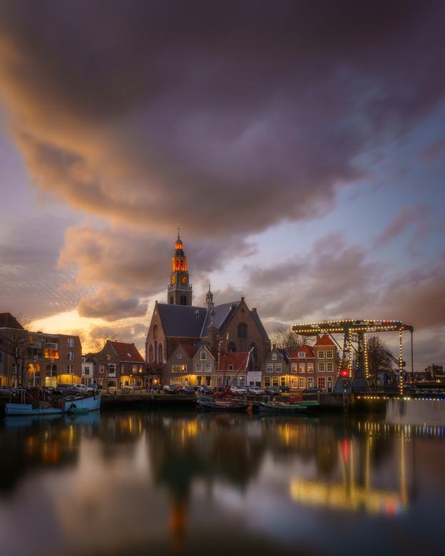 Maassluis - Nederland - Een onverwacht mooie zonsondergang. Gelukkig had ik mijn spullen bij me.