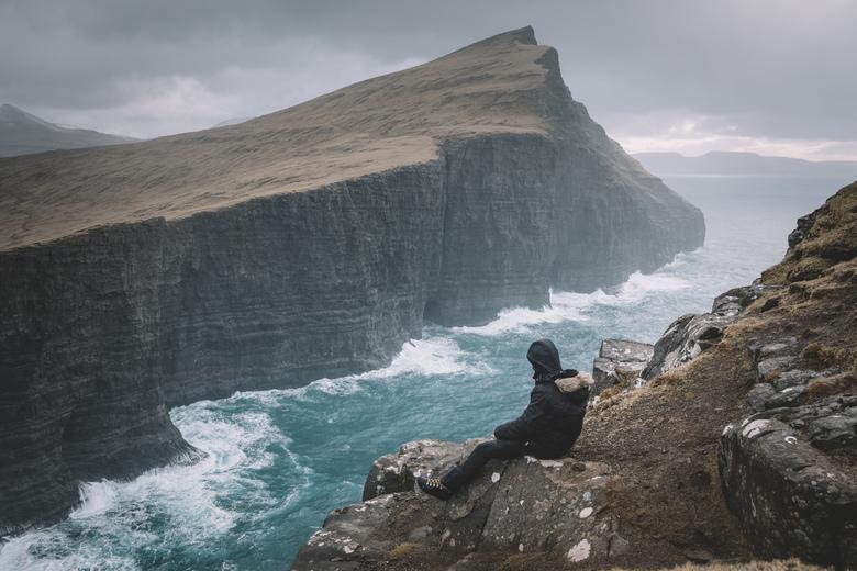 Cliffside. - Geen slecht uitzicht.<br /> <br /> Volg me gerust op:<br /> https://www.facebook.com/ShotByCanipel/<br /> https://www.instagram.com/c
