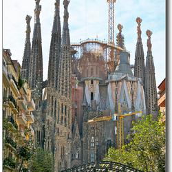 Avenida de Gaudi 2.jpg