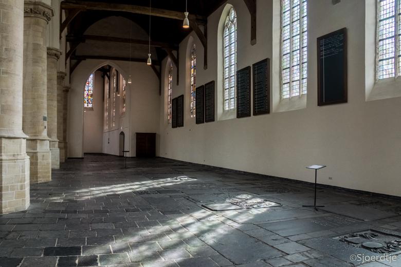Oude Kerk Delft - De Oude Kerk in Delft. Prachtig ! <br /> HDR van 3 opnames. <br /> Fijne dag allemaal. <br /> Hartelijke groet, <br /> Sjoerdtje
