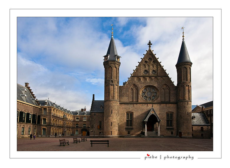Het Binnenhof - Tijdens ons weekendje weg van afgelopen weekend op 27-28 februari 2010 zijn we op zaterdag in Den Haag geweest. Een bezoek aan het Bin