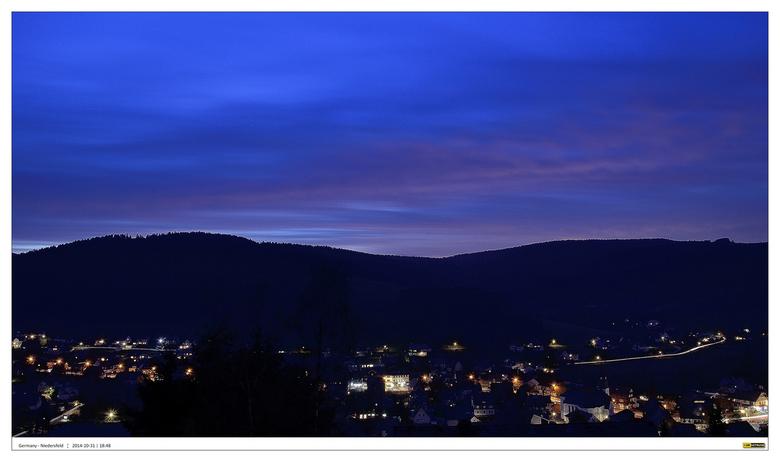Niedersfeld - Sauerland 3#3 - Serie foto's gemaakt op een mooie herfst namiddag gemaakt vanaf het balkon van een hooggelegen appartement van het