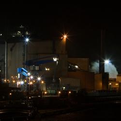 Staalfabriek by night