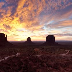 Monument Valley bij zonsopgang