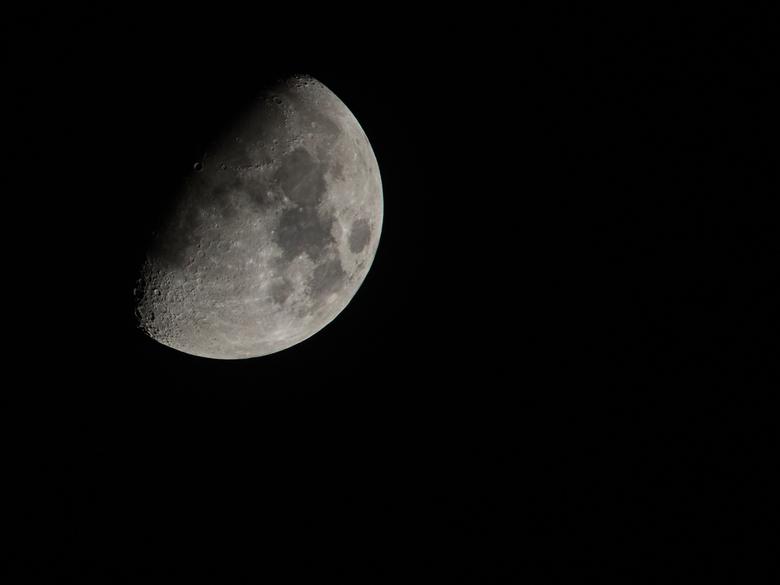 2021-01-22 maan  - De maan gisteravond