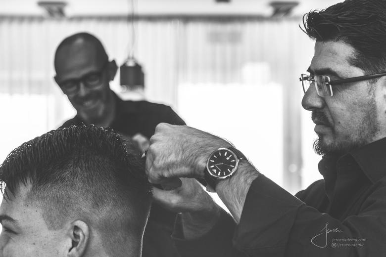 Sfeer I - De kapper voor mannen waar ik altijd naar toe ga zijn echt de beste kappers OOIT. Er is altijd een grap en een lach in de zaak en iedereen w