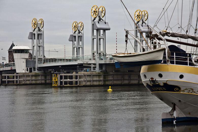 Stadsbrug Kampen - Uit mijn serie IJsselkade Kampen
