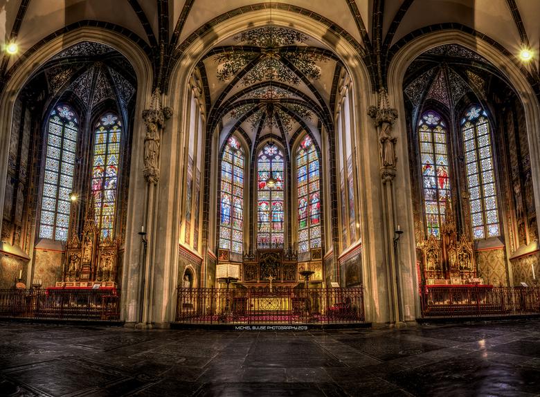 drieluik - een verto- en panorama van de St Jan in Den Bosch