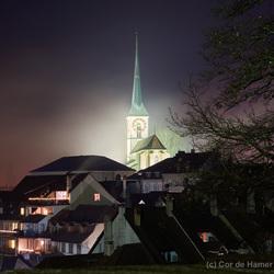 Mist rond de kerk
