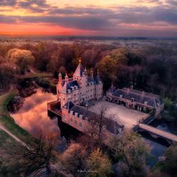 Zonsondergang bij kasteel Renswoude