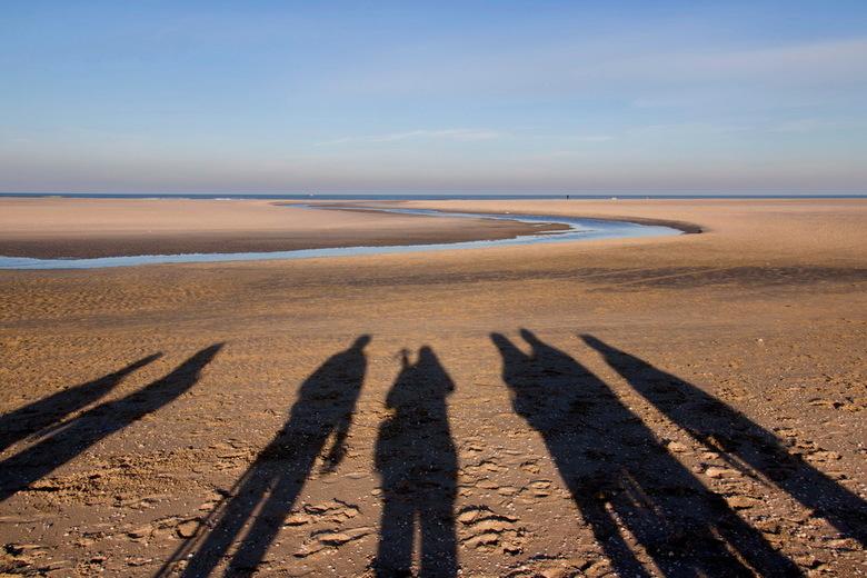 Schaduwen - Met de fotoclub naar de Zandmotor bij Kijkduin