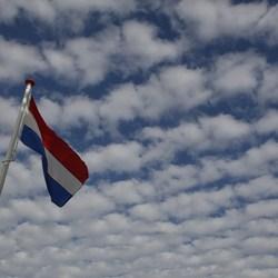 Nederlandse vlag en lucht