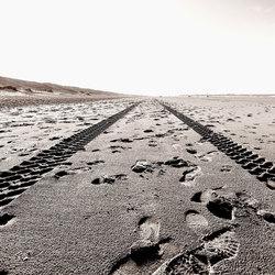 sporen in het strand